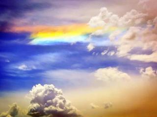 做梦看到美丽的云彩寓意着什么?梦见云彩寓意好不好? 自然,云彩,漂亮的云彩