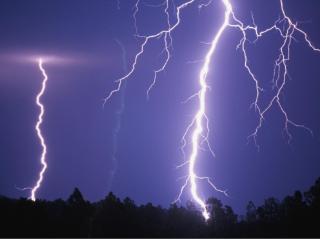 梦见被雷劈是什么意思?梦见被雷劈预示什么? 自然,闪电,雷电,被雷劈