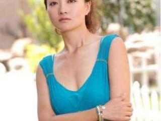 原华曾暗恋过王志文,和潘长江搭过戏,一婚嫁央视名嘴二婚嫁豪门