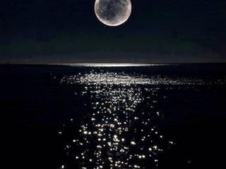 梦见月亮预示什么?梦里的月亮有什么特别的寓意? 自然,月亮,梦见月亮,满月