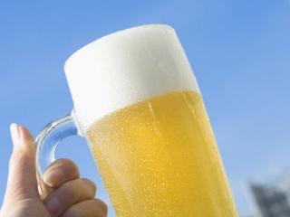 酒精对胃有什么伤害?喝酒前喝牛奶真的能解酒保护胃吗? 名酒资讯,啤酒,牛奶,解酒