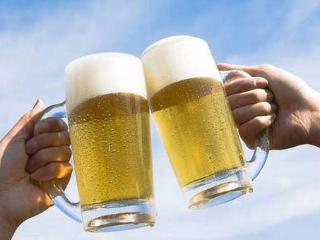 啤酒肚是怎么形成的?啤酒肚跟喝啤酒过量有关系吗? 名酒资讯,啤酒,啤酒肚,啤酒的害处