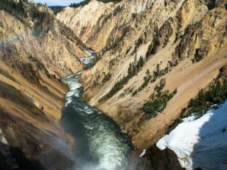 我为什么会梦见我站在山顶俯视着一个巨大的峡谷,这是什么意思? 西方解梦,峡谷,梦到俯视峡谷