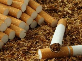 芙蓉王硬闪你抽过吗?这种细支抽起来口感如何 香烟评测,芙蓉王香烟