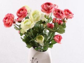 梦中有人送花给自己代表什么意思?最近会发生什么?是好还是坏? 情爱,梦见有人送花