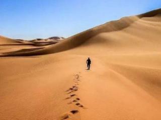梦到自己在沙漠里,沙漠出现流沙是什么意思 自然,梦到流沙,梦到自己陷入流沙