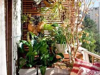 独身的人梦见自己睡在阳台上预兆什么,梦到阳台有个大洞好不好? 建筑,阳台,梦到阳台有个大洞
