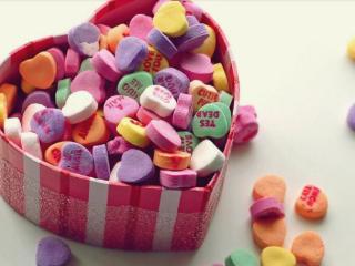 梦到吃糖果是什么预兆?女人梦到制作糖果寓意好不好? 物品,糖果,梦到吃糖果