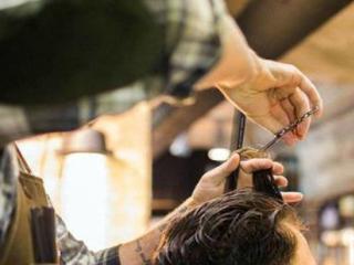 梦见自己给别人剪头发什么预兆 人物,梦到剪头发,梦到为别人理发