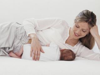 梦到给孩子喂奶好吗?求职者梦到给孩子喂奶代表什么? 人物,梦到给孩子喂奶,怀孕者梦见奶喂婴儿