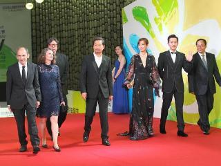 热依扎报名白玉兰最佳女主角报名《山海情》,网友:拉胯狗血 热依扎