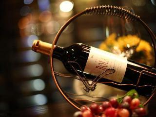 为什么有的红酒没有用软木塞? 名酒资讯,葡萄酒,红酒没有用软木塞原因