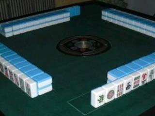 谢霆锋自动麻将桌上抓牌,网友:我还能玩呢!  动态,谢霆锋,谢霆锋王菲,谢霆锋麻将桌上抓牌