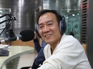 他是相声艺术家李伯祥的徒弟,因一次巧遇,成为姜昆搭档 姜昆