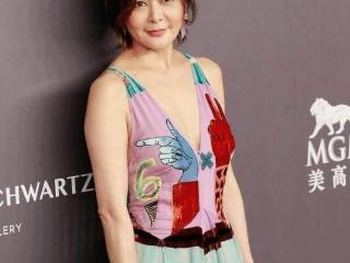 关之琳出席活动被拍,58岁个人风采迷人 关之琳