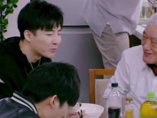 于晓光睡前敷面膜,刘宇宁睡前吃减肥餐,男明星也太注重形象了 于晓光