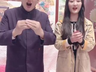 陈亚男重阳节敬老节包饺子,分分钟6万点赞,网友:美甲能吃吗 陈亚男