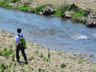 梦见河里没水是什么意思?梦见河里没水是什么预兆? 自然,梦到河里没有水,出游者梦到河里没有水