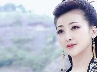活佛济公:不公平,为什么白雪能跟赵斌相爱,胭脂却不能爱道济? 胭脂却不