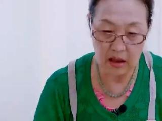 黄圣依婆婆直言没做过饭,煮饺子时加水都不会,程莉莎婆婆笑惨了 黄圣依