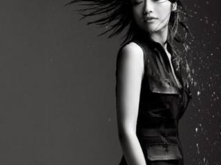 周迅拍摄黑白时尚大片,黑色长裙美的让人窒息 活动,周迅最新时尚大片,周迅是人间香奈儿,周迅气质优雅高级