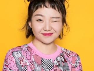 辣目洋子大方展示自己的身材,化妆后,别样的容貌让她无法比拟 网红,网红辣目洋子,辣目洋子的颜值,辣目洋子的照片