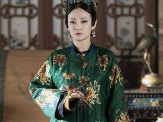 """现实中的""""高贵妃"""",穿蓝色长裙重游故宫,网友:比剧中美太多! 谭卓"""