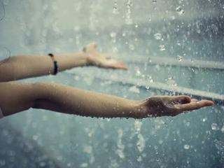 梦到下雨什么寓意?梦到下雨表示着好收获? 自然,梦到下雨,梦到出门下雨