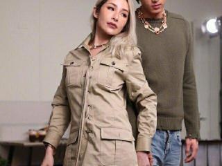 萧亚轩和小男友拍写真,40岁的年龄20岁的腿 萧亚轩