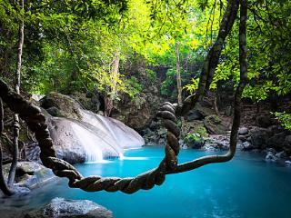 梦到没有水的水潭意味什么?梦到水潭的相关梦好吗? 自然,梦到水潭的相关梦,梦到水潭相关梦的分析