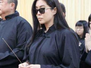 """王祖贤被问感情生活怎样,她的回答证明了她有多么""""记恨""""齐秦 王祖贤"""