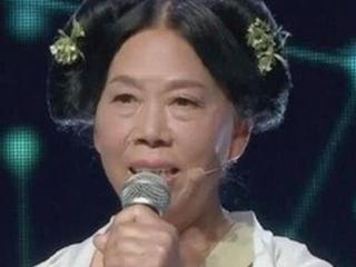 她长的丑却被周星驰两度选中,61岁翻红身家暴涨 周星驰