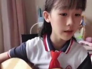 著名演员陆毅的女儿贝儿发布近照,引起网友的关注 贝儿