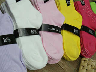 梦到很多袜子是什么意思?梦到很多袜子是什么预兆? 物品,梦到很多袜子,怀孕的人梦到很多袜子