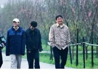 """《向往的生活5》黄磊厨艺下滑,陈赫力挺黄磊""""火辣小龙虾"""" 向往的生活5"""