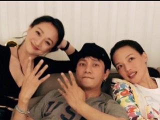 陈坤晒农历生日照,周迅和舒淇环绕在其左右,三人对着镜头搞怪 陈坤