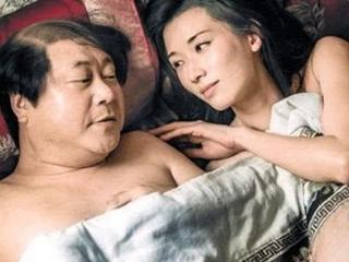 """原来""""睡觉戏""""是这么拍的,看到演员的表情,网友:这才是演技 睡觉戏"""