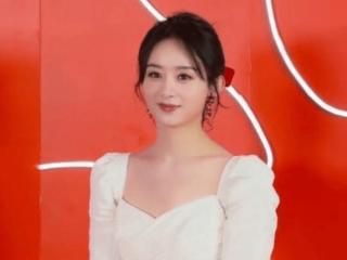 赵丽颖现身上海某百货商场,白色裙子显得温柔端庄 赵丽颖