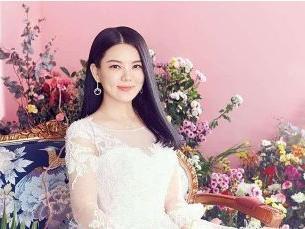 李湘的前夫抛弃女友秦海璐,高调闪婚李湘,如今坐拥30亿 李湘