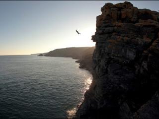员工们梦见掉在悬崖下表示什么?梦到悬崖的梦是什么意思? 自然,梦到悬崖的梦,梦到悬崖的梦分析