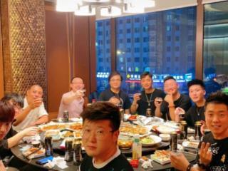 德云社喜事不断,王昊悦分享生日聚餐视频,恩师高峰参加 王昊悦