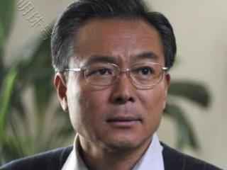 他是中国内地喜剧三剑客之一,结过两次婚,去世后连个灵堂都没有 谢园