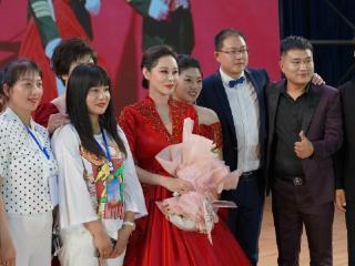 著名歌唱家石梅来淮参加中国曲艺家协会展演 石梅