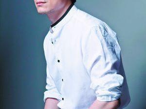 他是黄晓明同学,演戏火不了,当了北影老师 祖峰