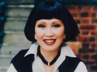 靳羽西成世界著名主持人,在国外搏下亿万家产 靳羽西