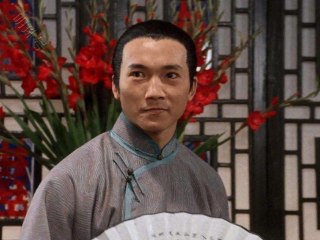 他是李连杰一直带不红的搭档,被周星驰只捧了一次,却火到了现在 邹兆龙