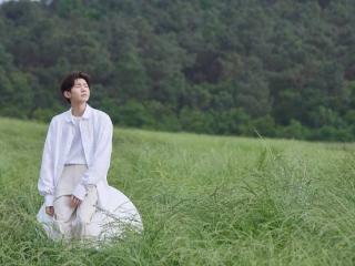 王源工作室发布新专辑《夏野了》宣传照,干净又清爽 王源