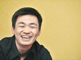 比王宝强还惨的演员,被老婆卷走几千万,六个孩子没有一个是亲生 赵擎