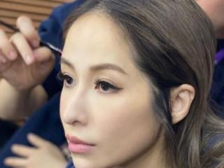 萧亚轩和小16岁的富二代恋情曝光,两人有着16岁的差距 天后