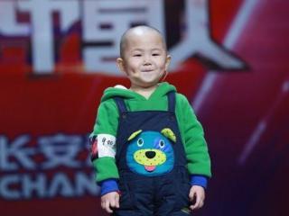 5岁登台春晚,因童言无忌遭妈妈掌掴,如今8岁出演影视剧 杨紫